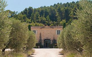 Degustación de vinos en las tierras vinícolas del Domaine de la Citadelle de Alexis Rousset Rouard