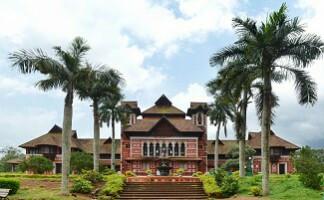 Visit the Napier Museum, Thiruvananthapuram