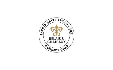 """Relais&Châteaux y Glenmorangie otorgan el trofeo """"Savoir-Faire 2021"""" al Akelarre Restaurant & Hotel, ubicado en San Sebastián, España"""