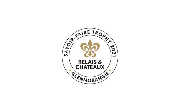 """Relais & Châteaux und Glenmorangie überreichen die Trophäe """"Savoir-Faire 2021"""" an das Akelarre Restaurant & Hotel in Donostia-San Sebastián in Spanien"""