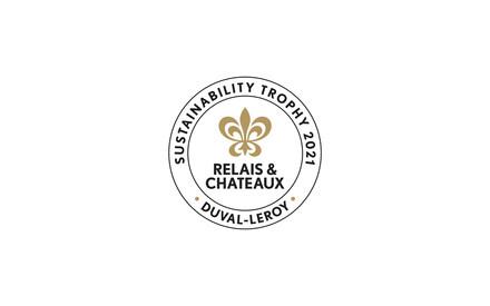 Relais & Châteaux et Duval-Leroy décernent le trophée «Sustainability2021» au Pikaia Lodge situé sur l'île de Santa Cruz, au centre de l'archipel des Galápagos en Équateur