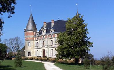 Une dégustation en hauteur au Château de Rayne Vigneau