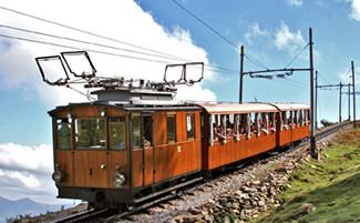En route aboard the little Train de la Rhune