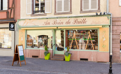 The Au Brin de Paille grocery store, a landmark for Alsatian beer (Colmar)