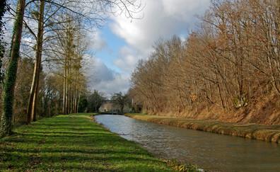 Balade le long du canal de Berry