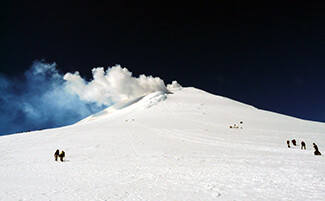 Ascent of the Villarrica volcano