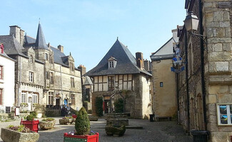 Stroll in Rochefort-en-Terre, one of the most Beautiful Villages in France