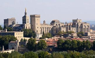 La vieille ville et le Palais des Papes