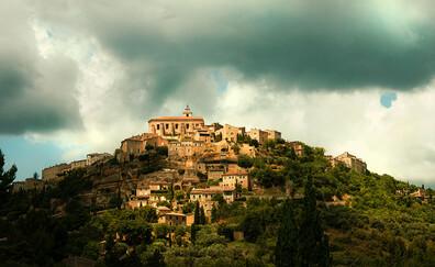 Le village de Gordes et l'abbaye de Sénanque