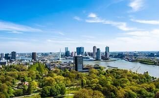 Architektonischer Spaziergang in Rotterdam