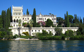 Visit to Isola del Garda, a stunning private island