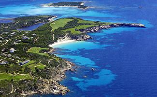 Golfe de Sperone : un golf sculpté entre la mer et le maquis
