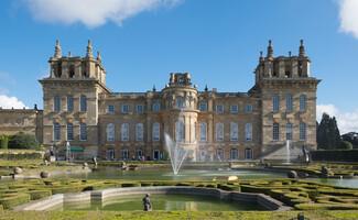 Le palais de Blenheim, Woodstcock