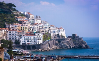 Amalfi, a coastal city that looks to the sea…