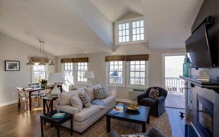 Watch Hill Inn - Terrace Suite