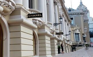 Shopping a Monte Carlo, attorno ai palazzi