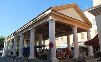 The market on L'Île-Rousse