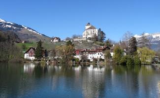 Le lac et le château de Werdenberg