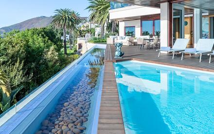 10 Palatial Villas |for a Group Getaway