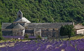 Con los monjes de la abadía de Sénanque