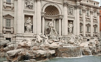 A kiss in front of the Trevi fountain in Rome