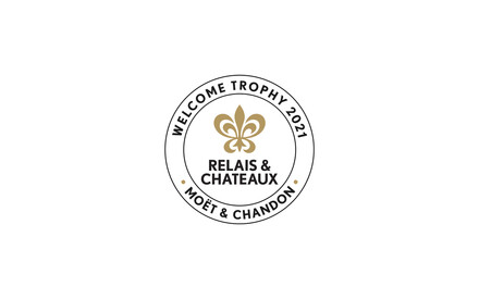 """Relais & Châteaux and Moët & Chandon award the """"Welcome 2021"""" trophy to the Blair Hill Inn, located in New England in Greenville, Maine"""