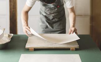 Kamisoe, the art of paperwork