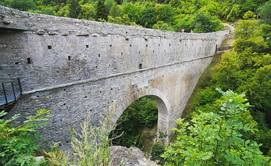 Die Brücke Pont d'Aël, Aymavilles