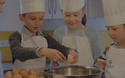Teaching little chefs