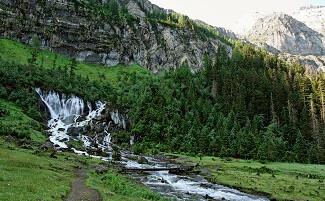 Quellen und Wasserfälle im Simmental