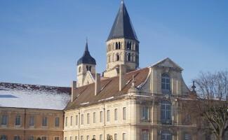 Die Ruinen der Abtei von Cluny