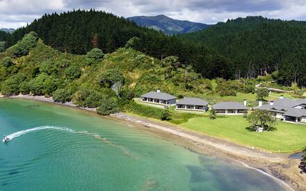 Helena Bay Lodge