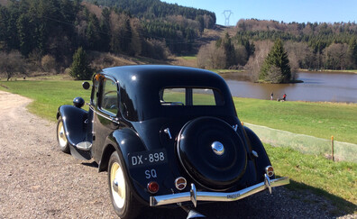 Private excursions in a vintage front-wheel drive vehicle (Saulxures)