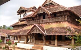In Richtung Holzpalast von Padmanabhapuram
