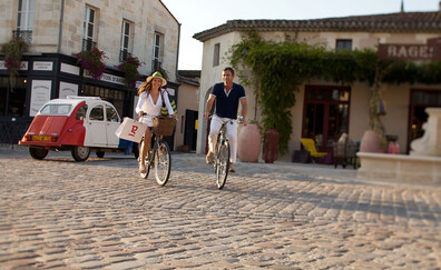 Discover the Lynch-Bages region by bike