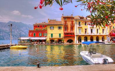 Enjoy sailing on Lake Garda