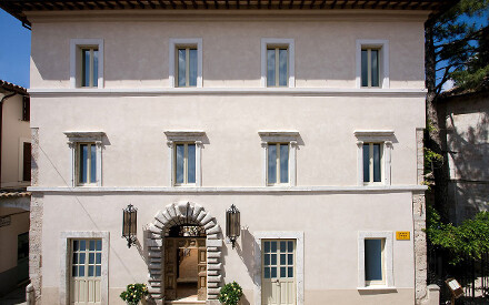 Palazzo Seneca (Norcia-Umbria) voted the best hotel of 2017 by Virtuoso!